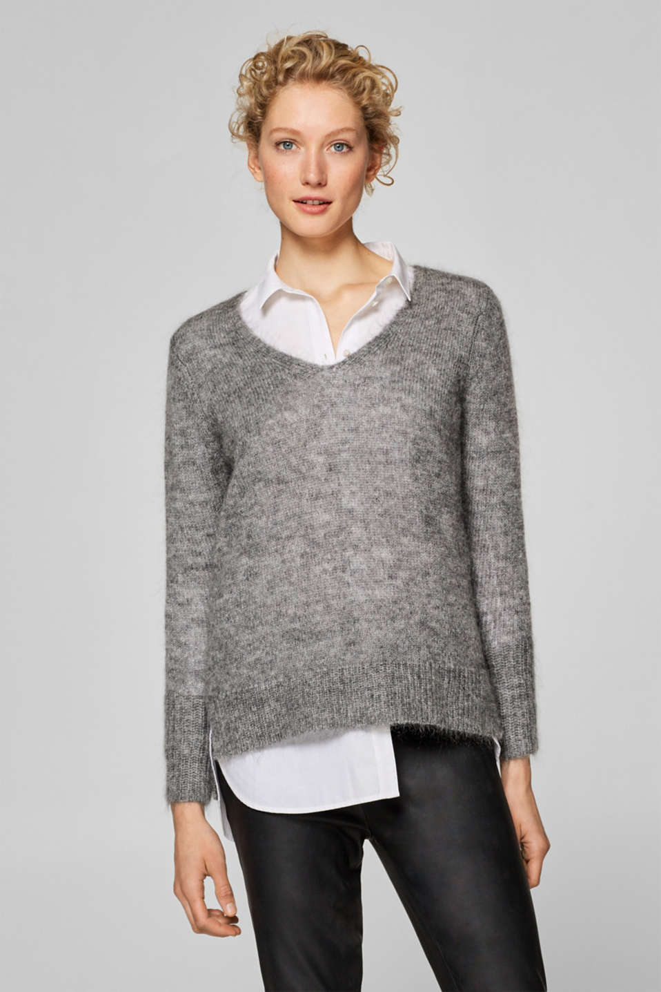 Esprit - With wool/mohair: jumper with a high-low hem