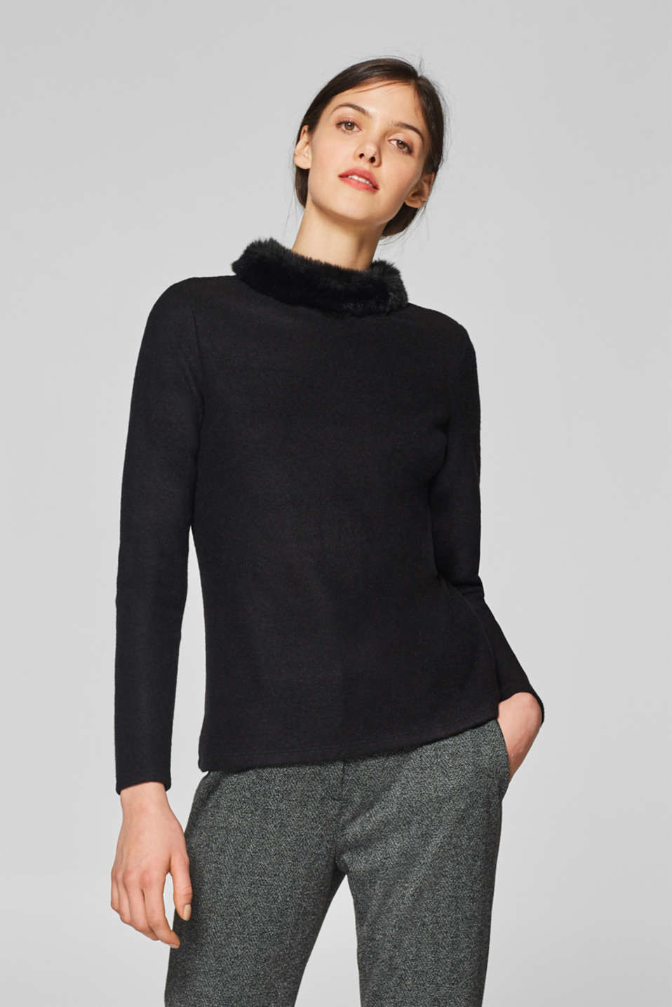 Esprit - Brushed long sleeve top with a faux fur collar