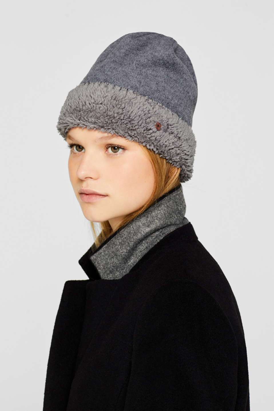 Fleece hat with plush lining, GREY, detail image number 2