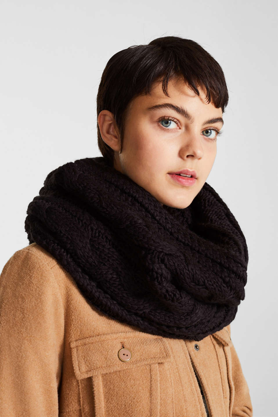 Snood with a cable knit pattern, BLACK, detail image number 1