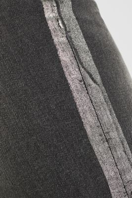 Stretch jeans with shiny stripes, BLACK MEDIUM WASH, detail