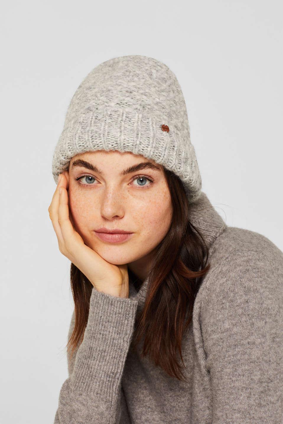Alpaca blend with wool: hat with a turn-up cuff, GREY, detail image number 2