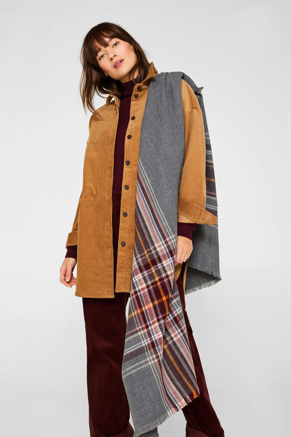 Oversized scarf with a check pattern, GUNMETAL, detail image number 1