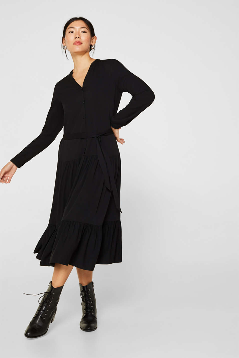 Esprit - Midi dress with a tiered skirt