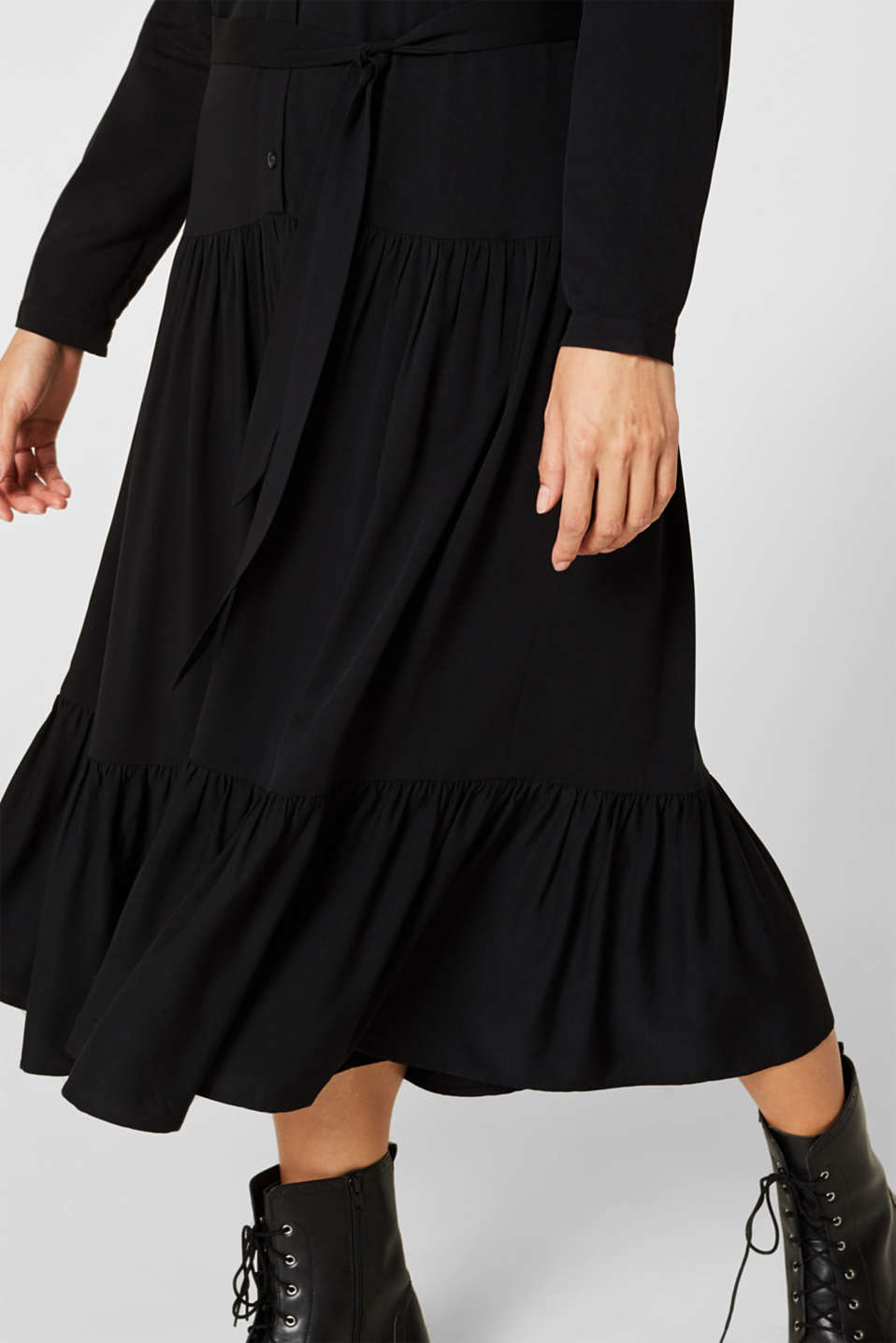 Midi dress with a tiered skirt, BLACK, detail image number 3