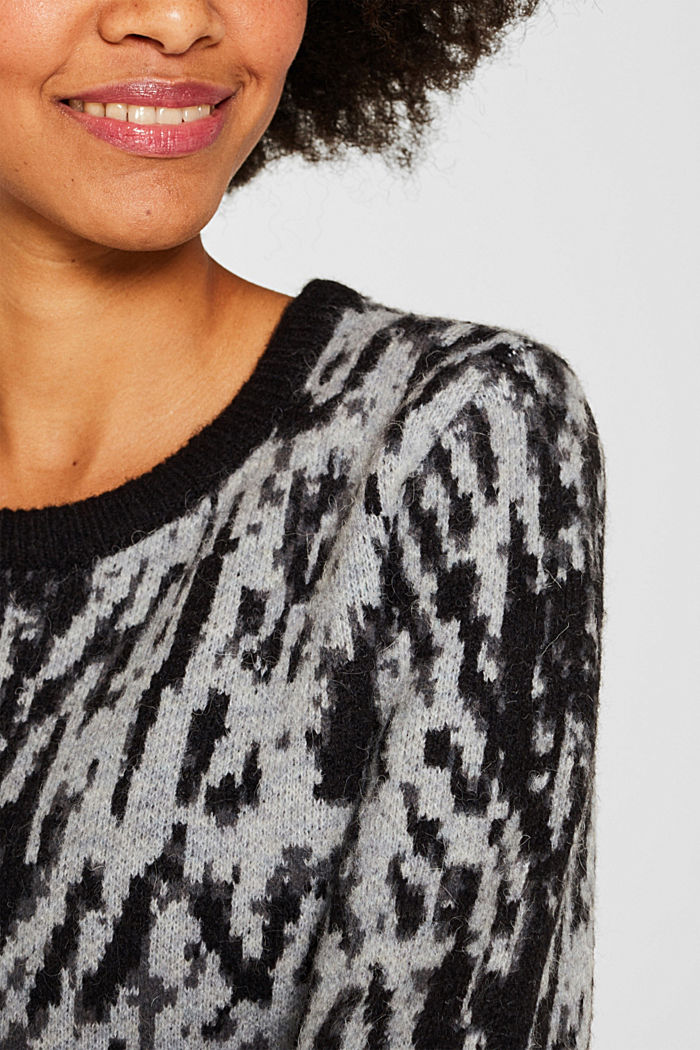 With wool/alpaca: Tiger jacquard jumper, OFF WHITE, detail image number 2