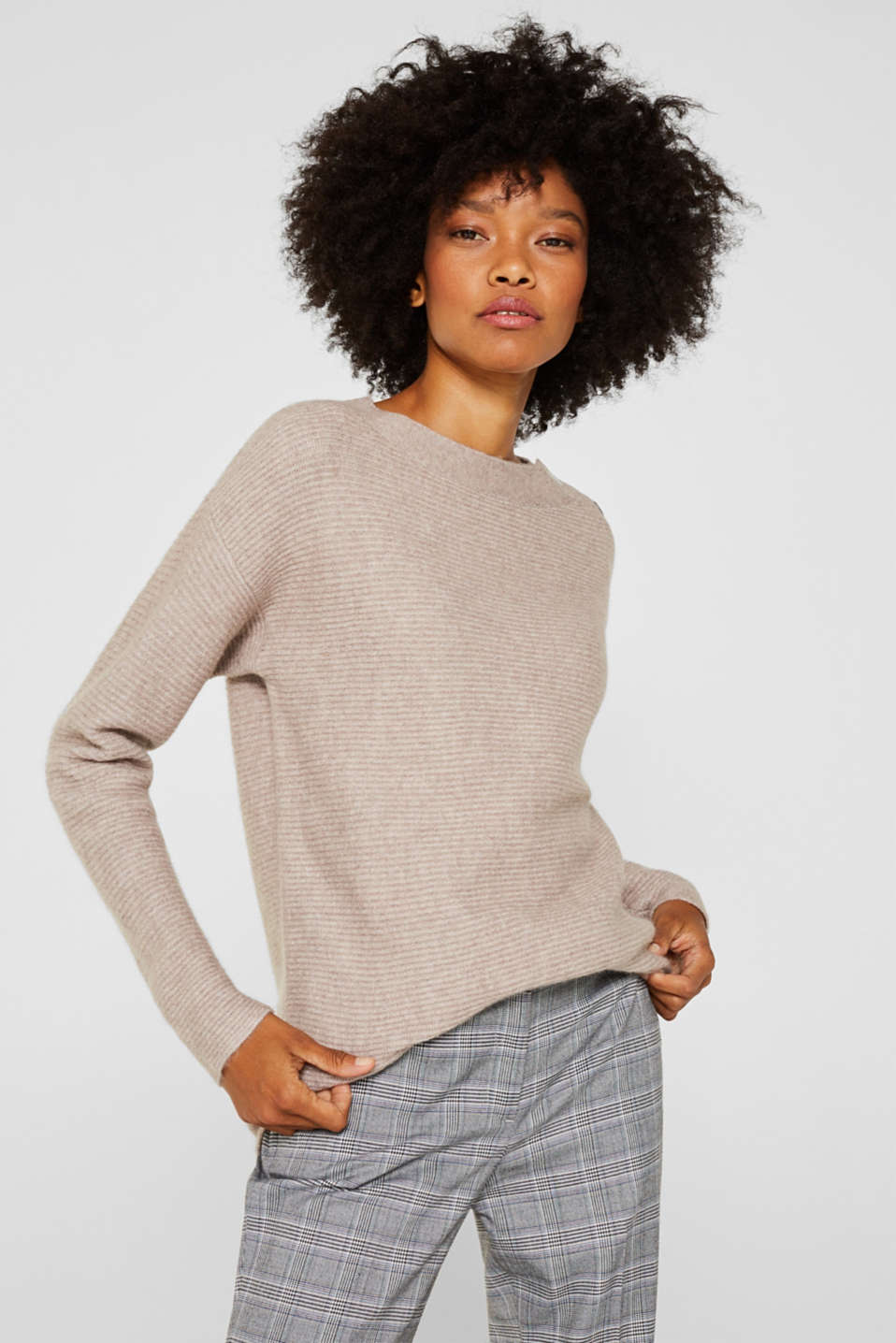 Esprit - Wool blend: jumper with a decorative button placket