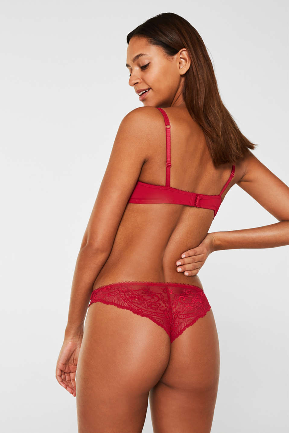 Padded underwire bra in lace, CHERRY RED, detail image number 1