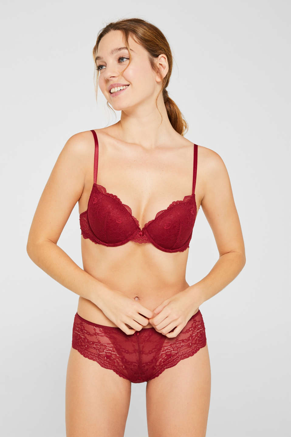 Padded underwire bra in lace, BORDEAUX RED, detail image number 0