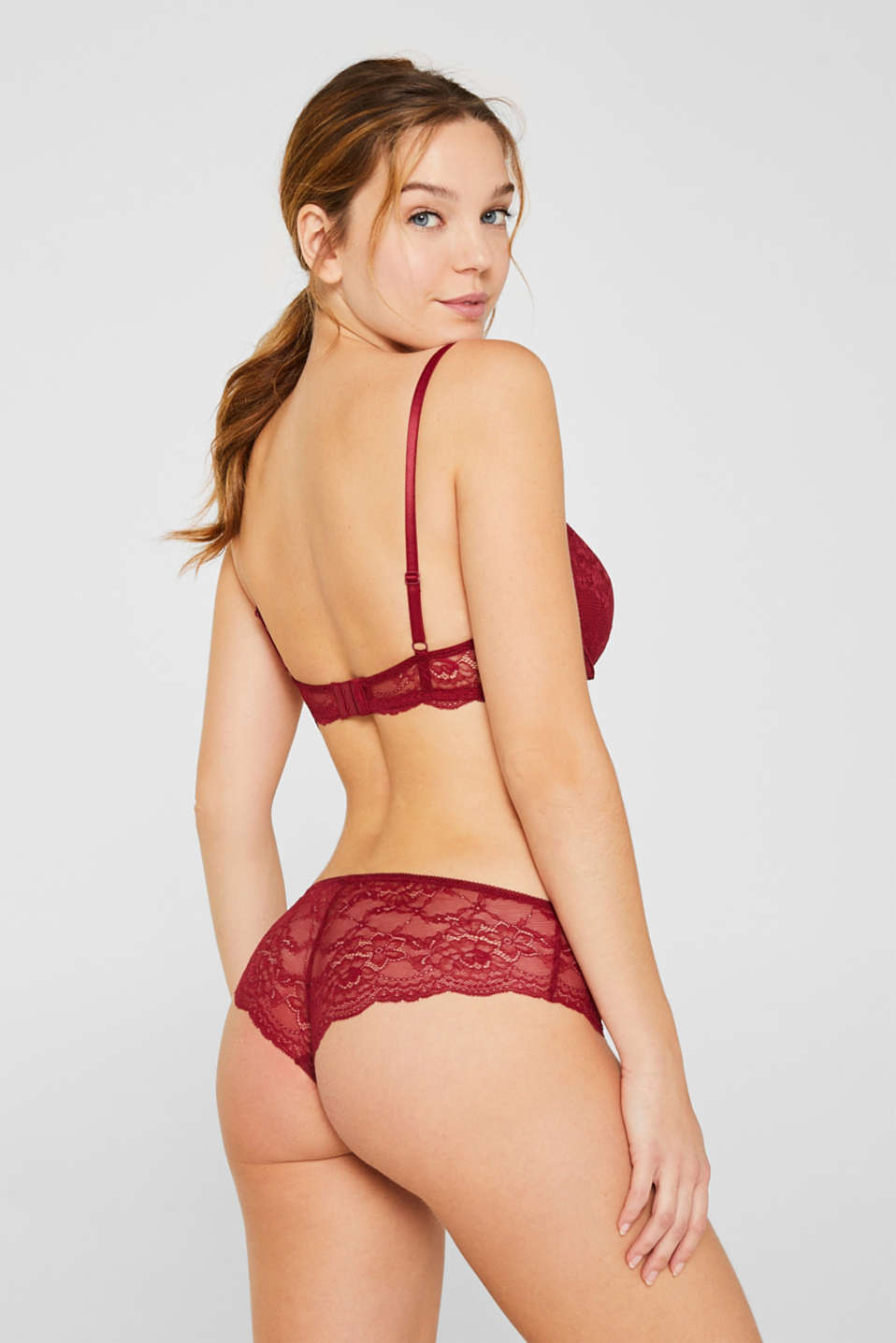 Padded underwire bra in lace, BORDEAUX RED, detail image number 1