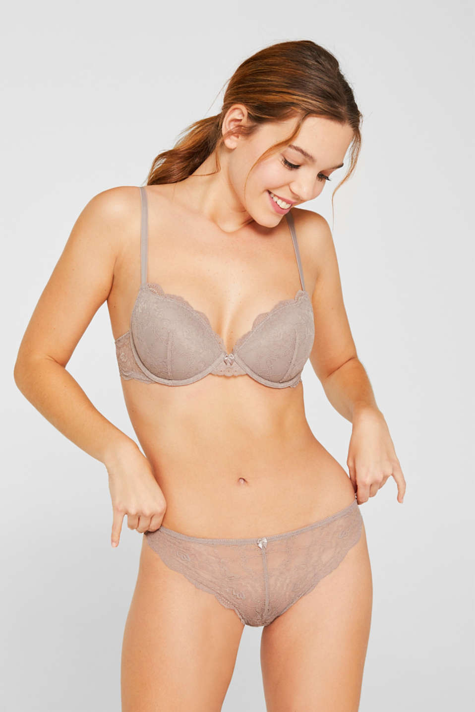 Delicate lace hipster thong, TAUPE, detail image number 0