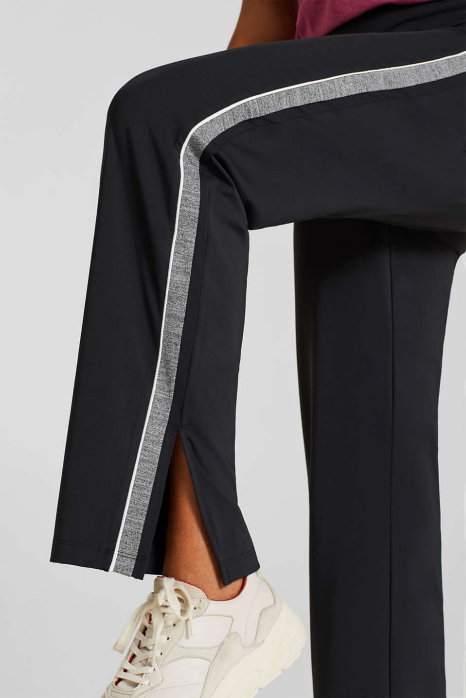 Active tracksuit bottoms with racing stripes, E-DRY, BLACK, detail image number 4