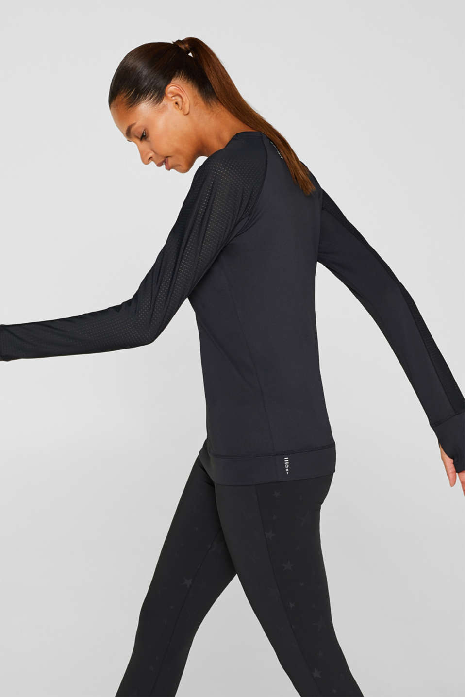 Esprit - Stretchy long sleeve top with mesh sleeves, E-DRY