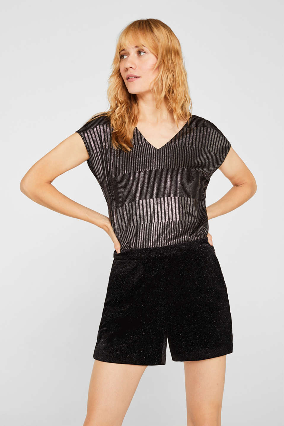 High-rise velvet shorts in a glitter look, BLACK, detail image number 0