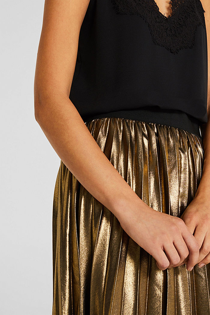 Pleated skirt in a metallic finish, GOLD, detail image number 2