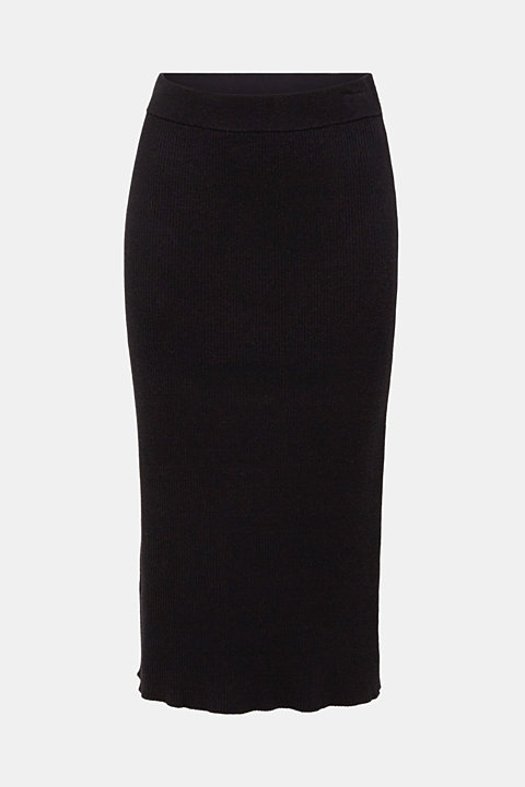 Knit skirt with ribbed texture