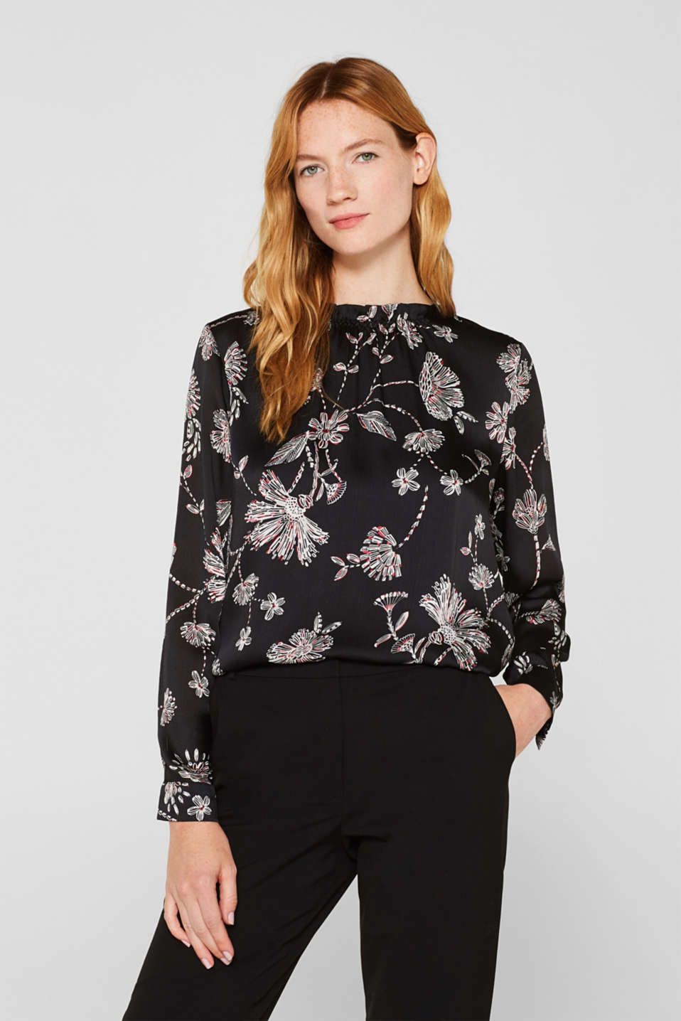Esprit - Crinkled blouse van satijn met smokdetail