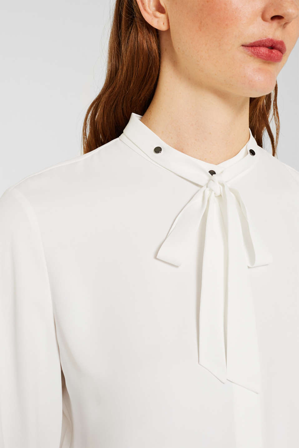 Crêpe blouse with an adjustable collar, OFF WHITE, detail image number 2