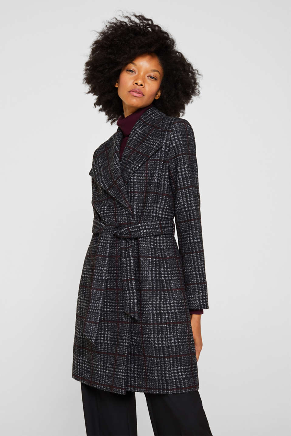 Esprit - With wool: coat with a wide spade collar