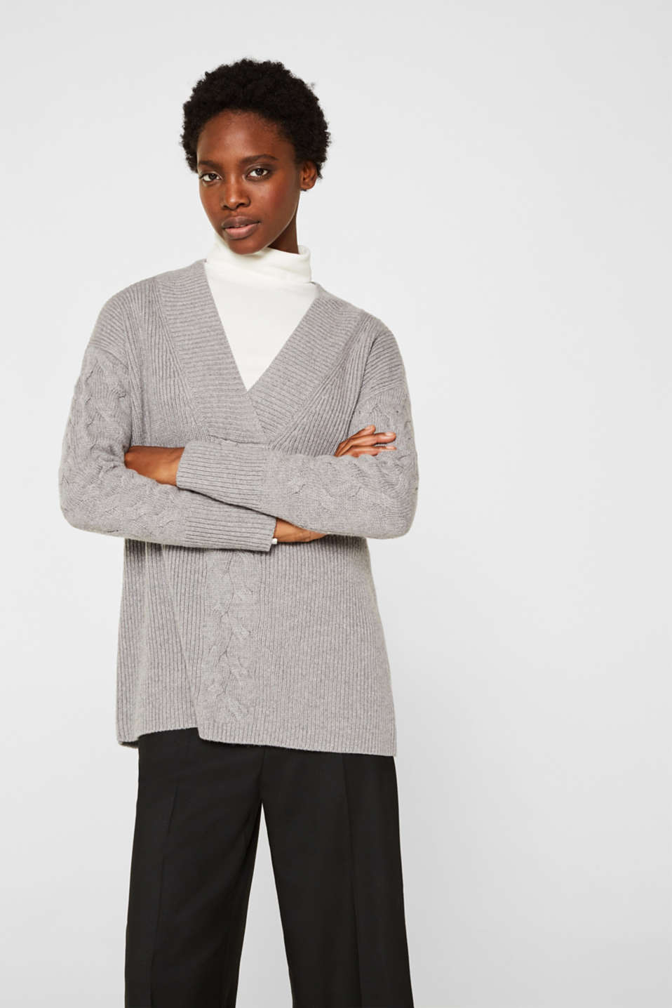 Esprit - With cashmere: V-neck jumper with a cable knit pattern