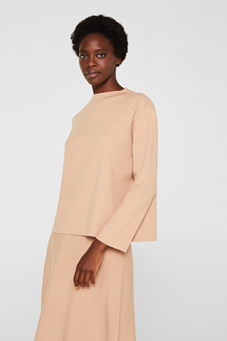 Band collar jumper with a boxy shape