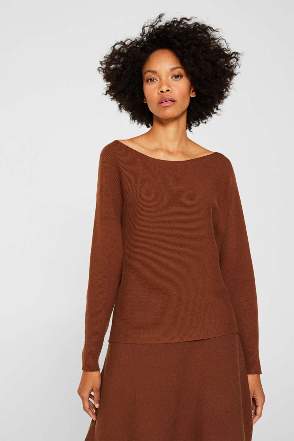 Esprit - Batwing jumper with a ribbed texture