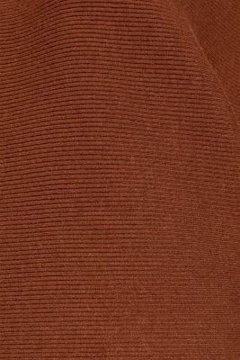 Batwing jumper with a ribbed texture