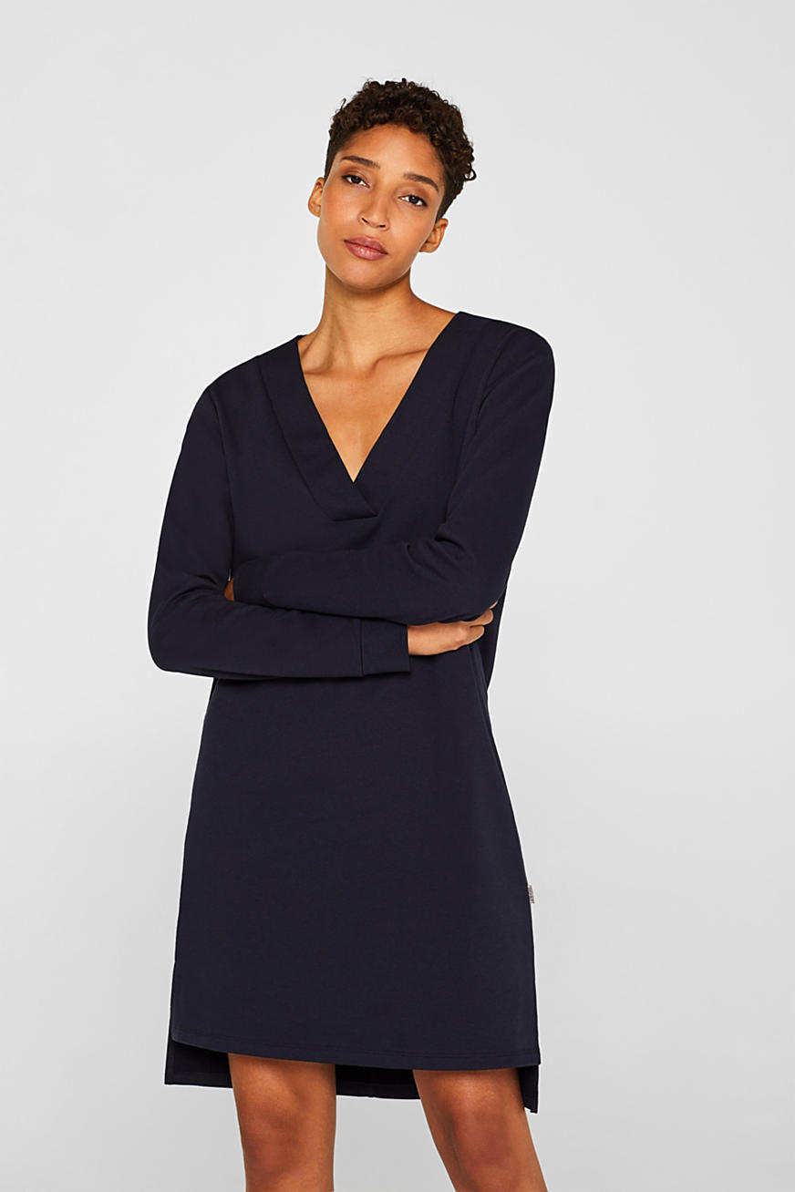 Sweatshirt dress with a V-neckline