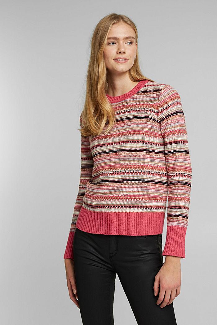 Textured jumper containing organic cotton