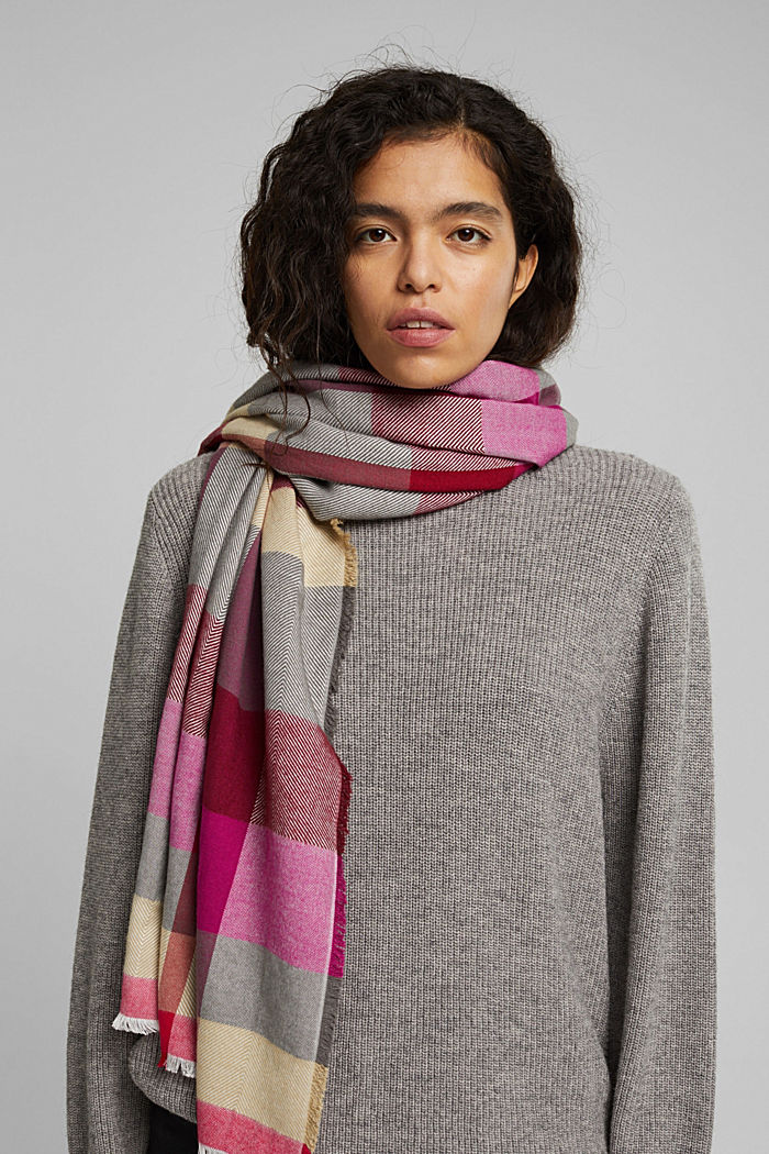 Striped scarf featuring LENZING™ ECOVERO™