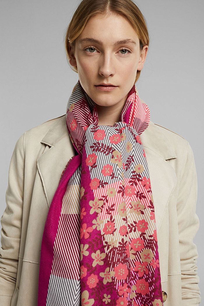 Recycled: woven scarf with a mix of patterns, DARK PINK, detail image number 3