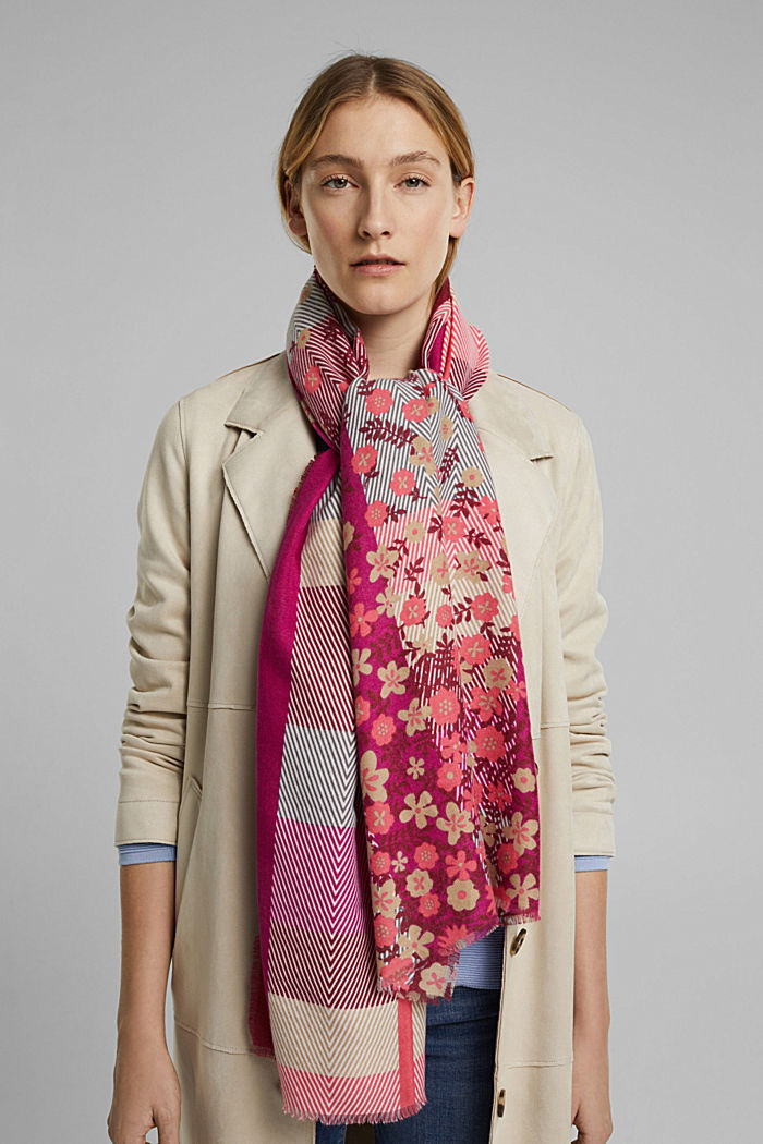 Recycled: woven scarf with a mix of patterns, DARK PINK, detail image number 1