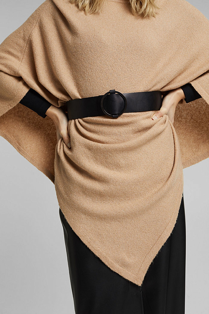 Wide leather waist belt