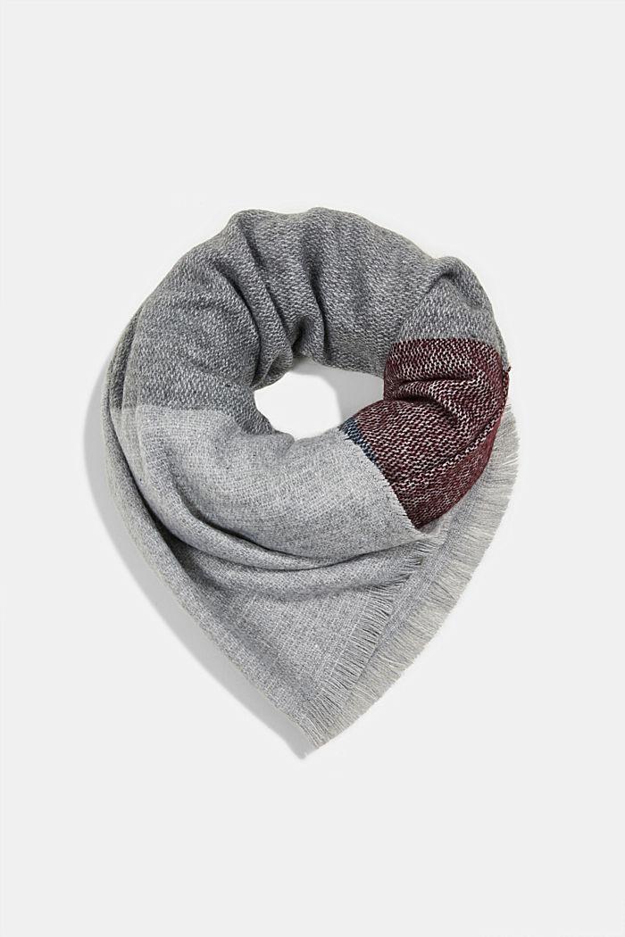 Gerecycled: sjaal met blokstrepen
