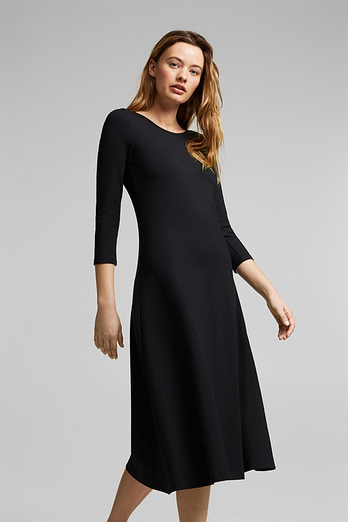 Jersey dress in a midi length