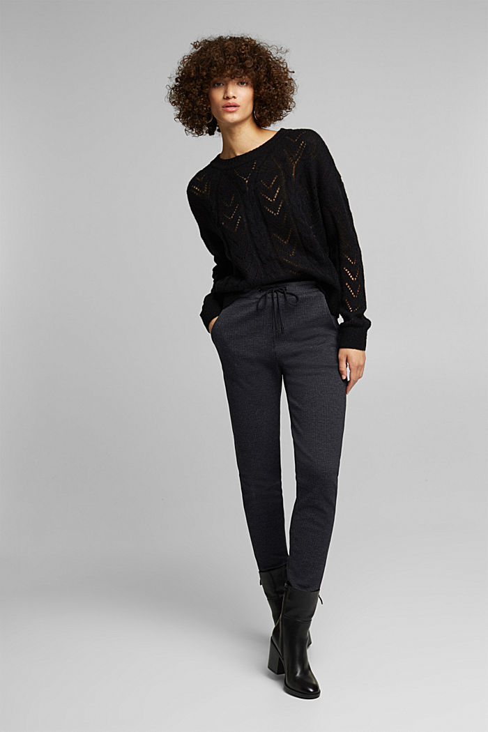 With wool and alpaca: jumper with an openwork pattern, BLACK, detail image number 1
