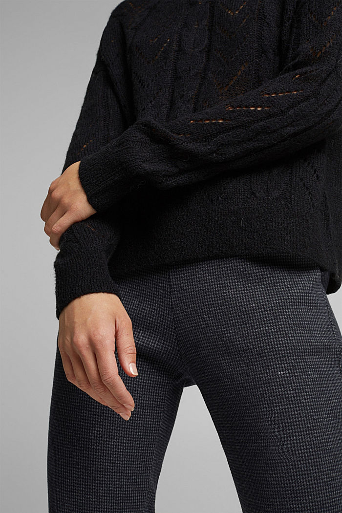 With wool and alpaca: jumper with an openwork pattern, BLACK, detail image number 2