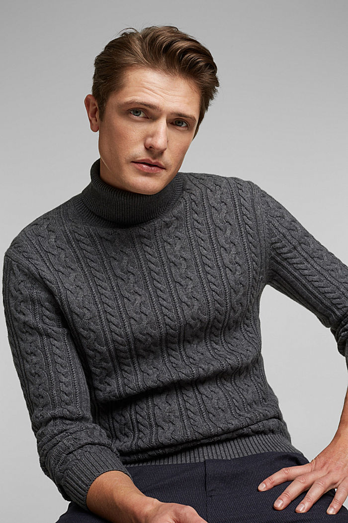 Cable knit jumper made of blended wool