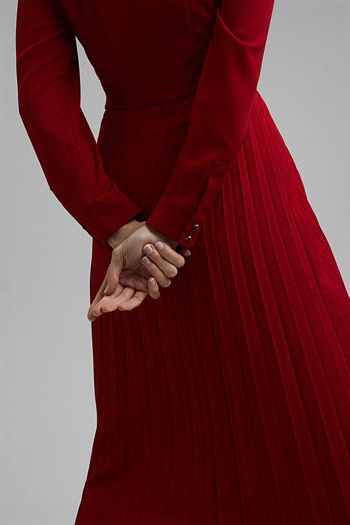 Recycelt: Midi-Hemdblusenkleid mit Plissee, DARK RED, detail image number 3