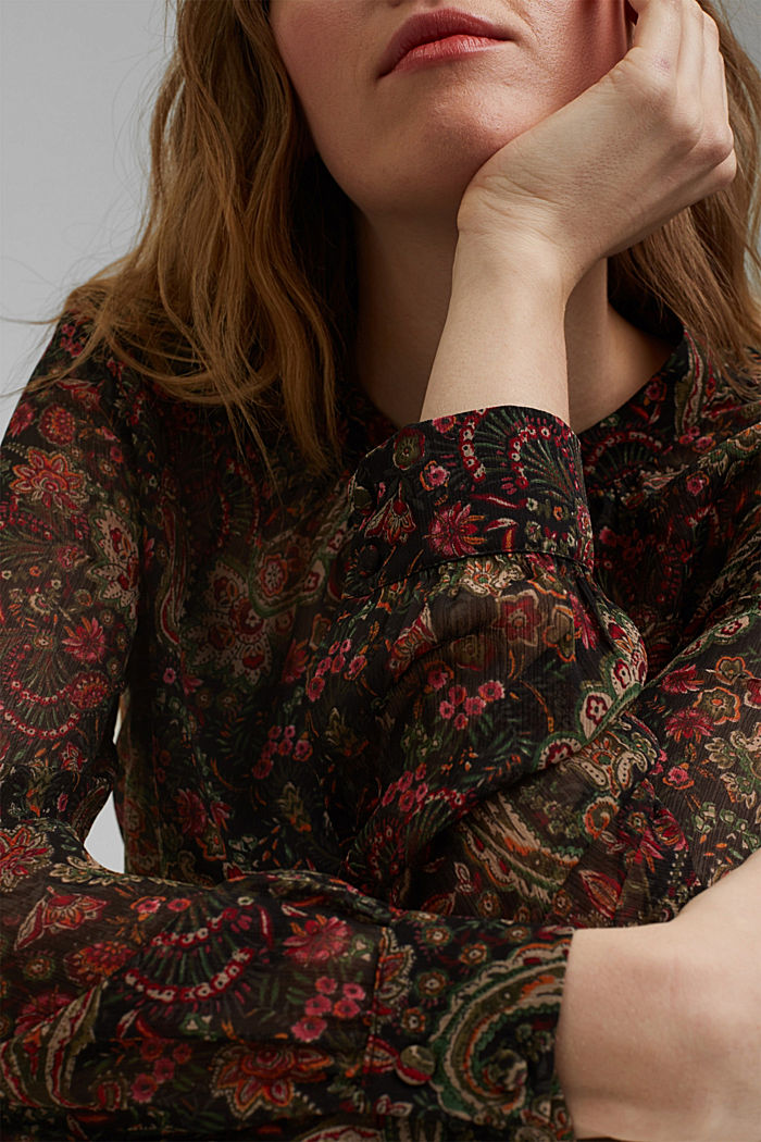 Paisley crêpe blouse with an undershirt