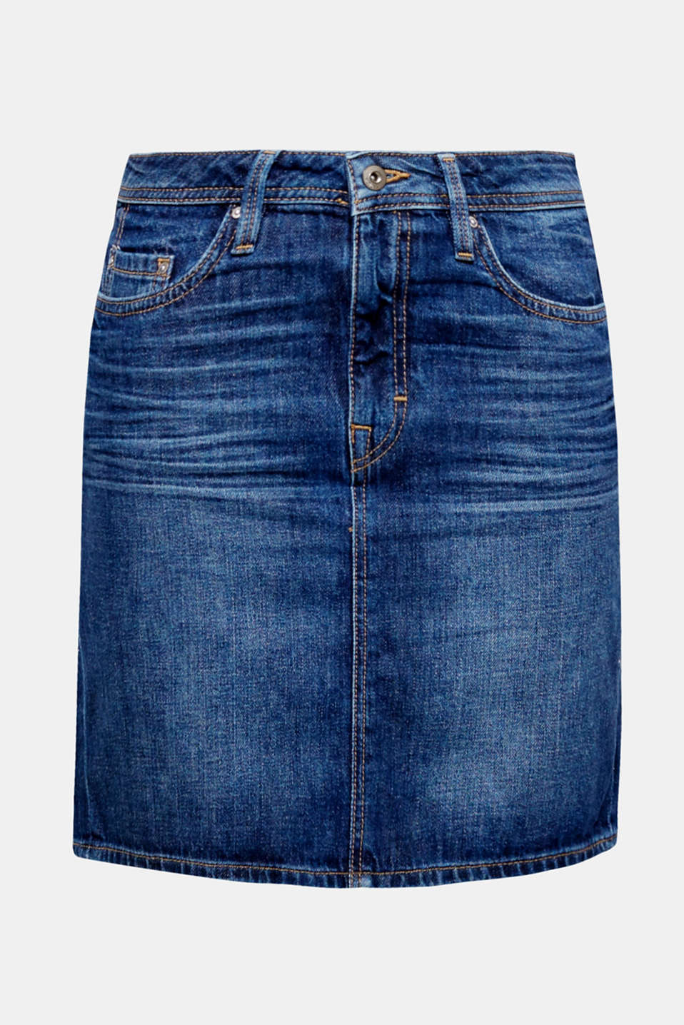 We love denim! The classic details and worn wash make this mini skirt super special.