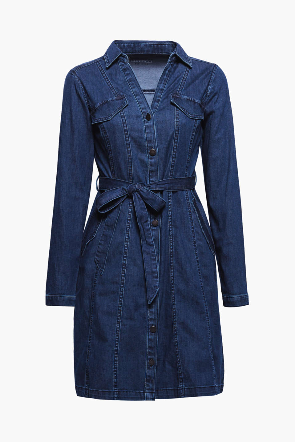 Casual coolness and feminine flair join forces on this fitted shirt dress made of dark blue stretch denim.