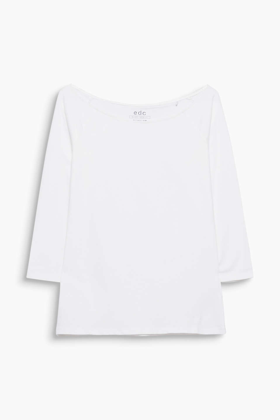 Softly peached, Carmen T-shirt made of lavishly finished, premium organic cotton with a hint of elastane for added comfort.