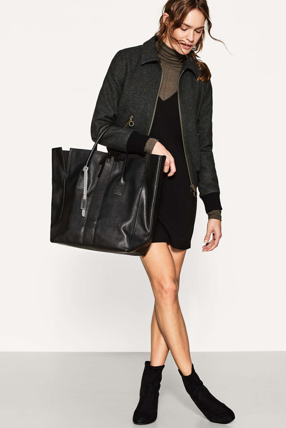 XL shopper in smooth faux leather
