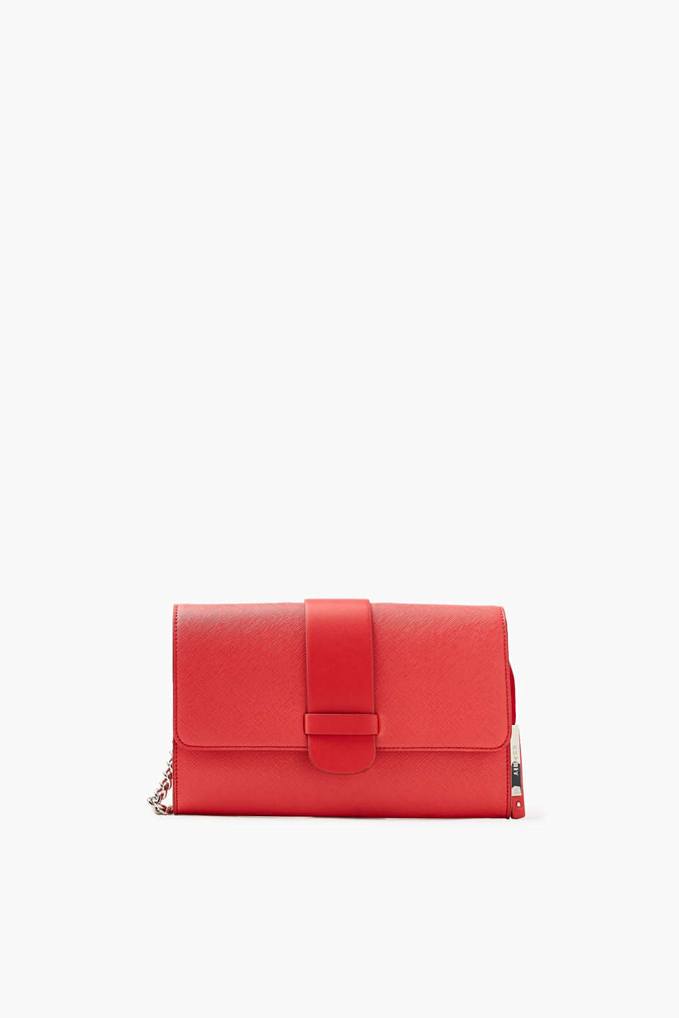Shoulder bag or clutch: this faux leather bag gives your evening look a timeless and elegant finishing touch.