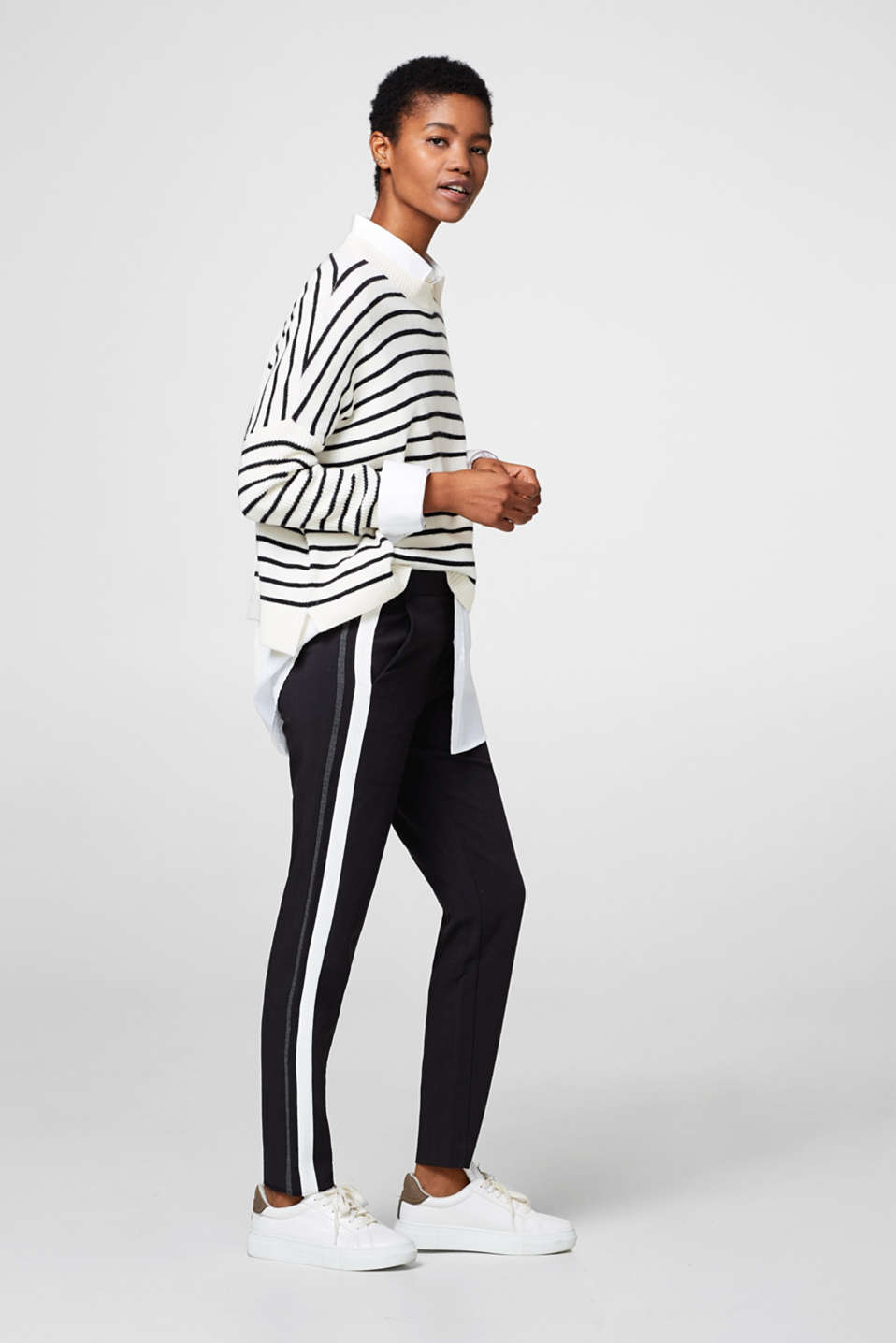 Esprit - Woven stretch trousers with tuxedo stripes