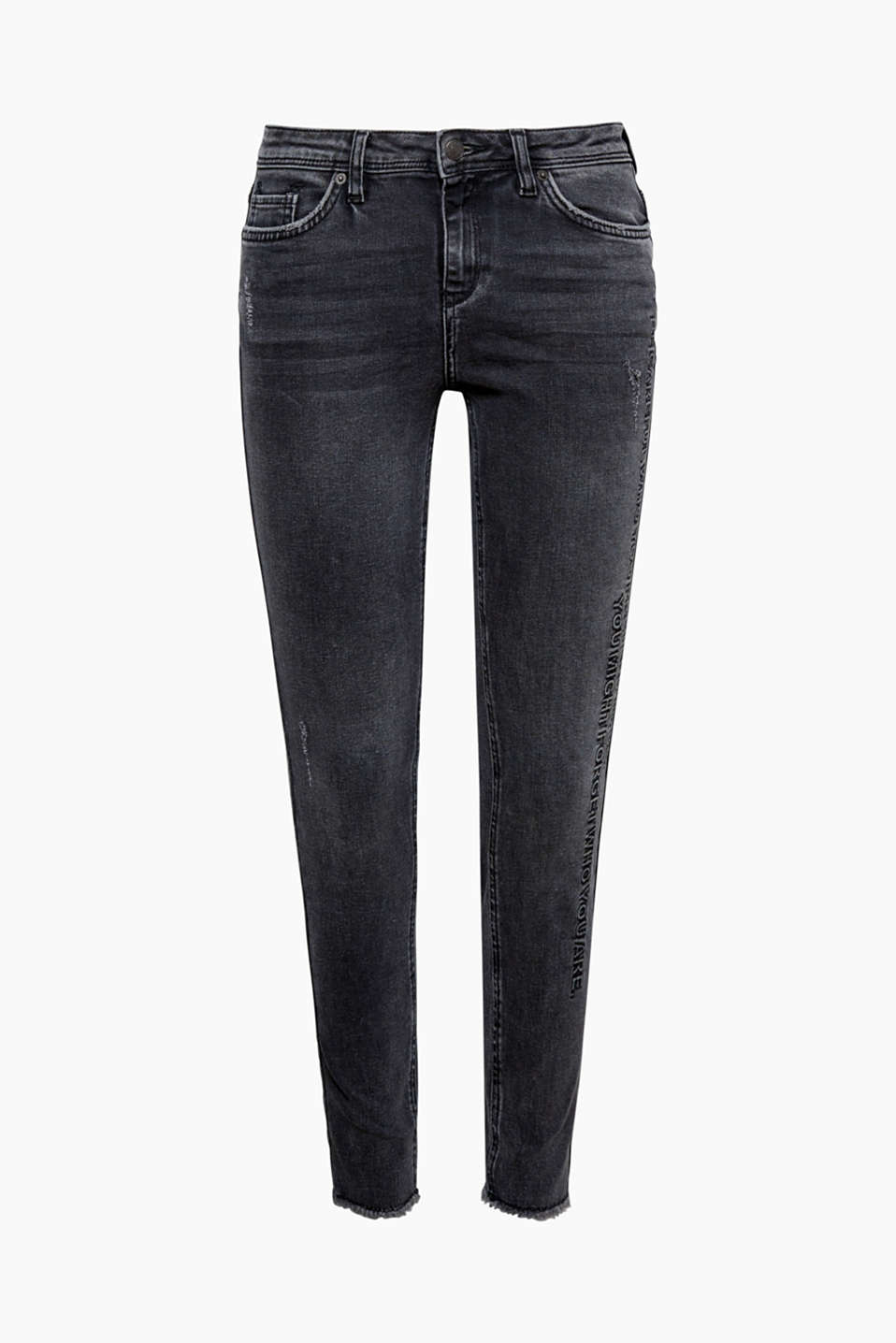 These skinny jeans with a statement in a flat/raised effect on the left leg is cool and in a rock style!
