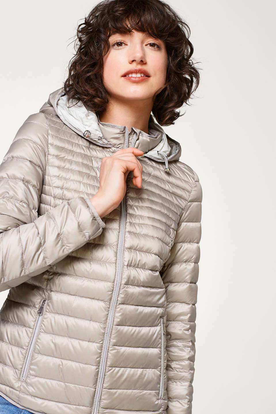 Esprit - Feather light down jacket with a hood