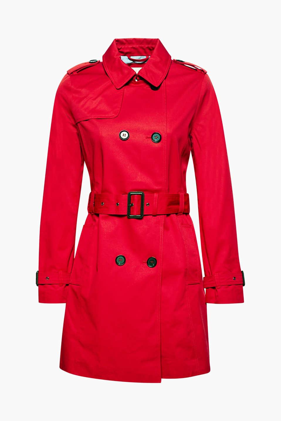 Een klassieker die in geen enkele kledingkast mag ontbreken: trenchcoat van zuiver katoen.