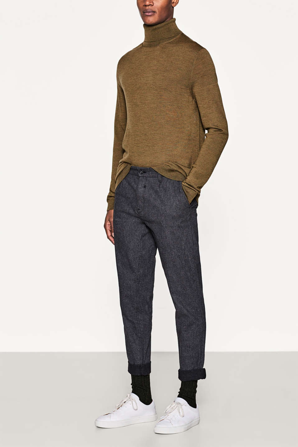Esprit - Loose-cut, textured chinos